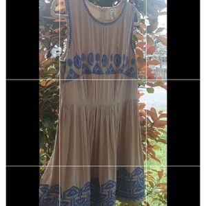 Esley Embroidered Dress (L)